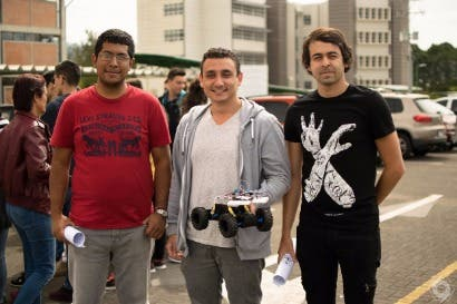 Estudiantes del TEC crean modelo de carro autónomo