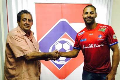 Álvaro Saborío regresará al fútbol en la Liga de Ascenso