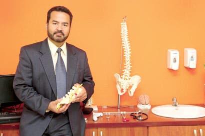 Nueva cirugía espinal evita procedimiento tradicional