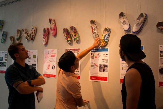 """""""Me pongo en tus zapatos"""" muestra realidad de migrantes en Costa Rica"""