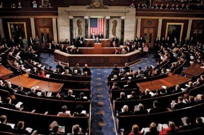 Senado de EEUU dejaría a 22 millones de personas sin seguro médico