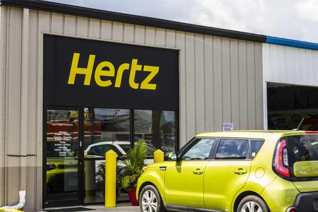 Apple trabaja con Hertz para gestionar pequeña flota autónoma