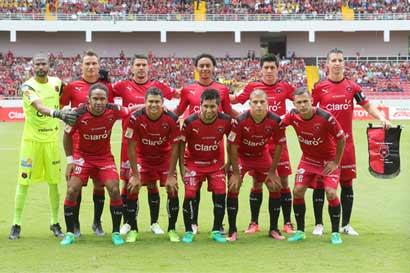 Alajuelense juega su campeonato en redes sociales