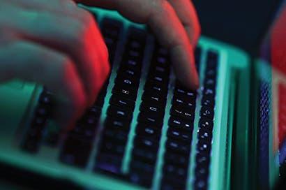 Nuevo ciberataque contra Europa golpea a Rosneft y Maersk