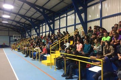 Estudiantes del CUC se oponen a cierre de la institución