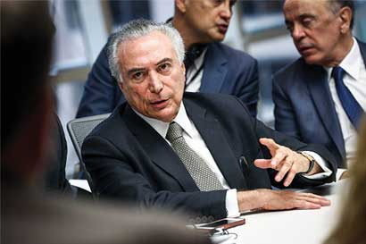 Crisis en Brasil desata lucha interna en el partido de gobierno