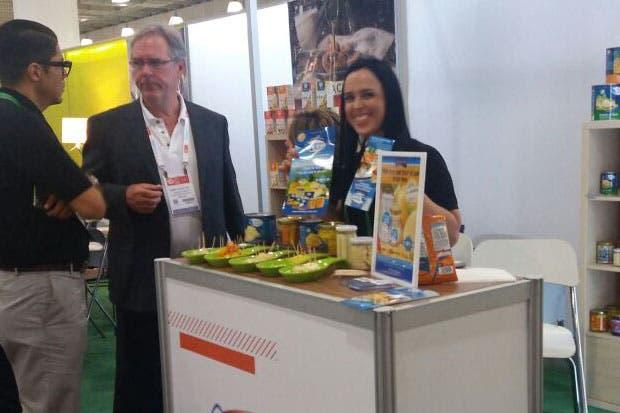 Empresarios ticos promocionaron alimentos en feria internacional
