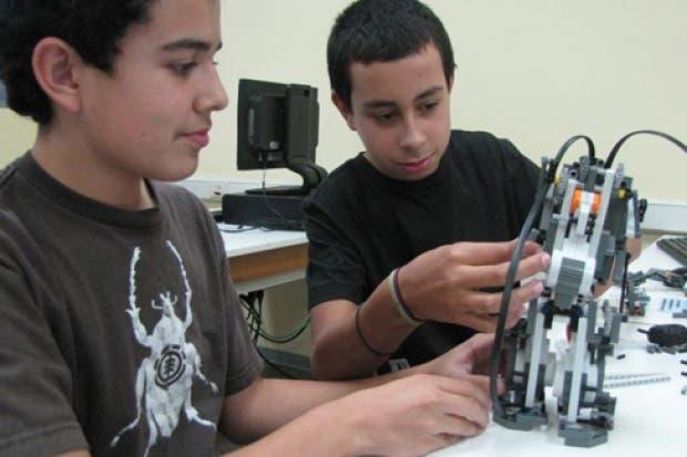 TEC ofrecerá cursos de robótica para niños y jóvenes