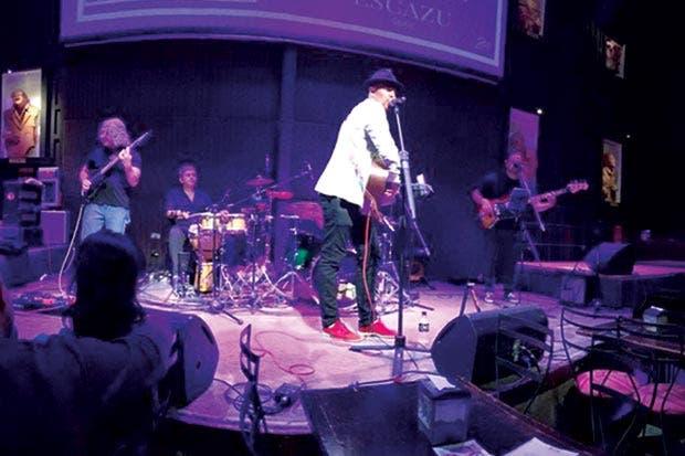 The Kenny Gilmore Band presenta propuesta musical
