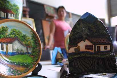 Costa Rica, El Salvador y Guatemala desarrollarán sello artesanal