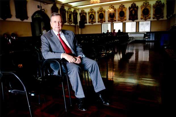 Ottón Solís insinúa que apoya a Wélmer Ramos