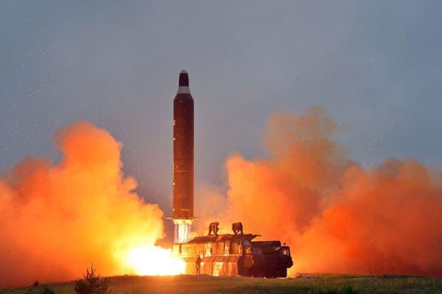 Corea del Norte afirma haber probado misil intercontinental