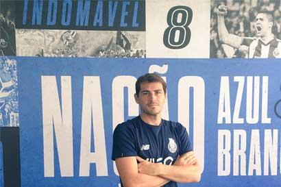 Iker Casillas renueva por un año con el Porto