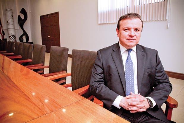 Inversión extranjera se desploma un 59% en empresas de producción local