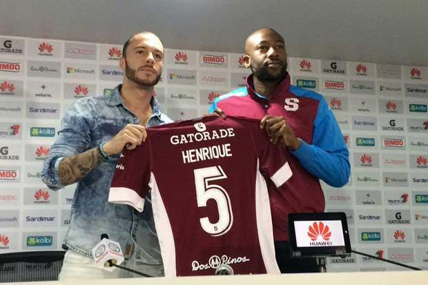 Brasileño Henrique Moura firma con el Saprissa
