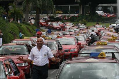 Taxistas irán a huelga el martes