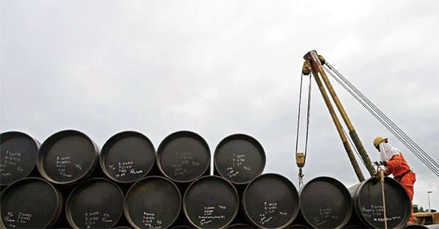 OPEP podría pedir a Libia y Nigeria limitar producción de crudo