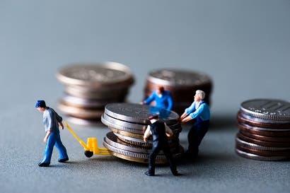 Cada tico debe ¢1,7 millones en créditos personales