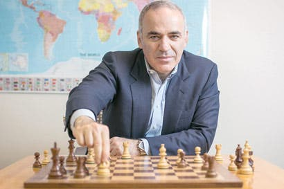Legendario Kasparov regresa al ajedrez