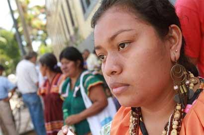 Indígenas recibirán material educativo de salud en su lengua
