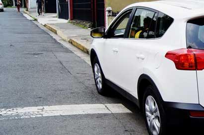 Multas por mal estacionamiento superan las 10 mil