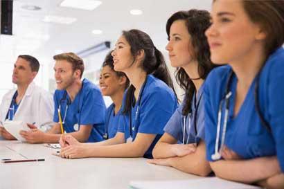 Academia de Medicina afirma que ingreso a internados debe ser más estricto