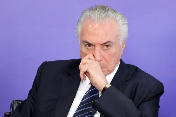 Cámara baja de Brasil vota a favor de Temer para no ser enjuiciado
