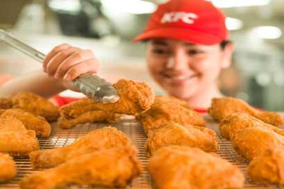 KFC requiere contratar 50 colaboradores