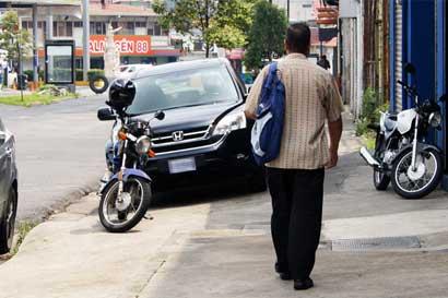 Más de 1.500 conductores son sancionados por atentar contra peatones