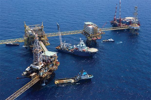 México retrasa próxima subasta petrolera