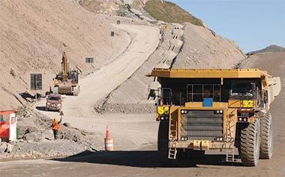 Minera de oro de Perú incursionaría en cobre si precios suben