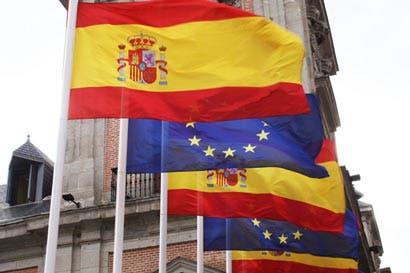 FMI mejora previsión del crecimiento en España, hace advertencia