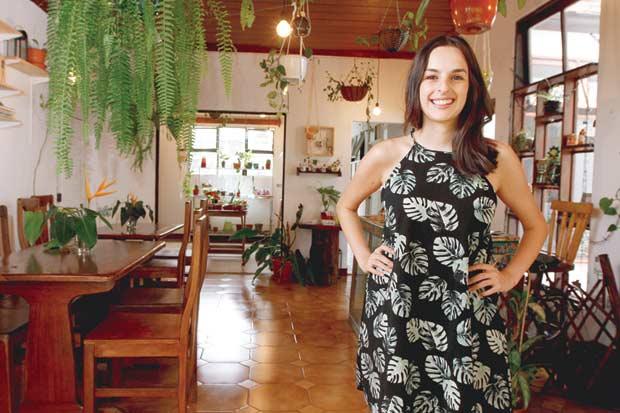 Pareja crea espacio vegetariano en San José