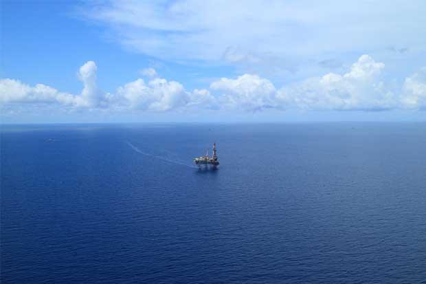 Pequeña firma toma la delantera en carrera por petróleo mexicano