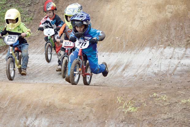 Niños costarricenses al Mundial de striders