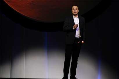 Los primeros en volar al espacio deben ser valientes, dice Elon Musk