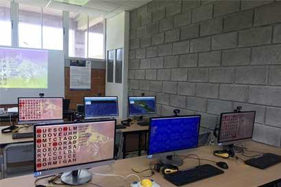 Guanacaste recibe $191 mil en equipo para conectividad digital