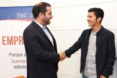 Estudiantes ganan premio internacional de Cisco