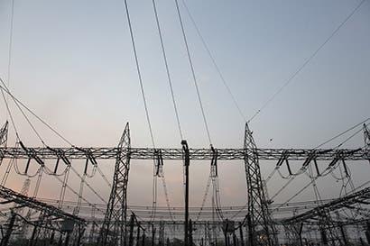 Gobierno británico abre red eléctrica a baterías, logrará ahorro