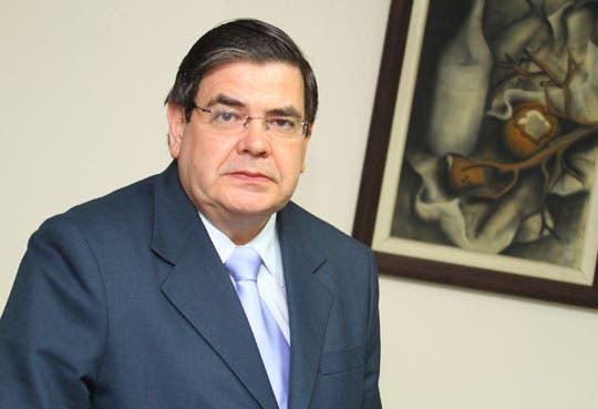 Exdiputado Echandi se une al partido del doctor Hernández
