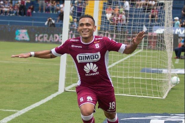 Alajuelense y Saprissa arrasan en su debut de campeonato