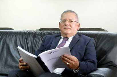 Luis Paulino Calderón asumirá dirección de la Contabilidad Nacional