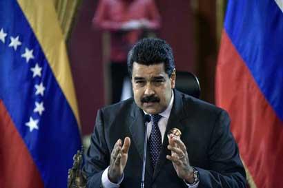 Maduro aguarda respuesta de EE.UU. luego de una votación violenta
