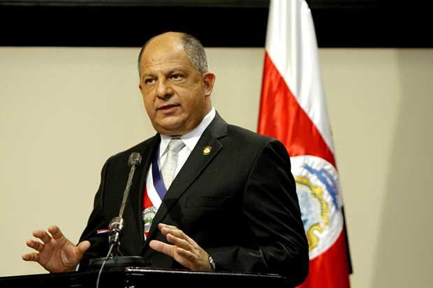Presidente Solís anunció cero crecimiento en el presupuesto del próximo año