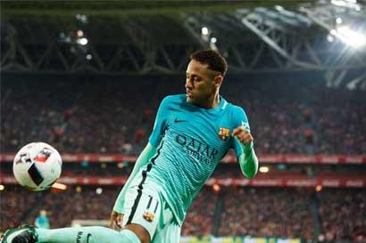 Neymar y el PSG sellan el fichaje más caro de la historia