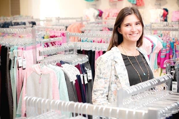 """Tiendas departamentales apuestan por crecer en """"malls"""""""
