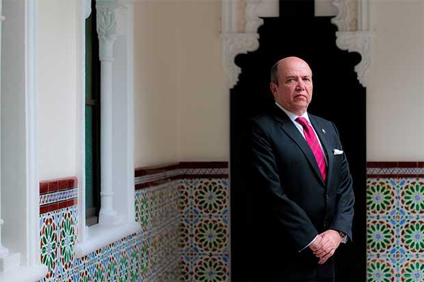 Rafael Ortiz denuncia desorden en elección de diputados del PUSC