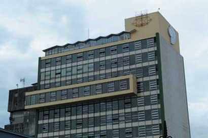 Hoy rige nuevo horario en oficinas centrales de la caja for La caja sucursales horarios