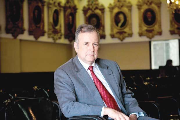 """Ottón Solís: """"Gobierno falló al no darle importancia al déficit"""""""