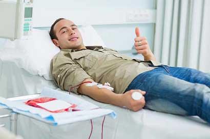 Urgen donantes de sangre O positivo